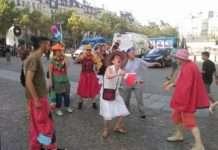 clowns en marche arriere
