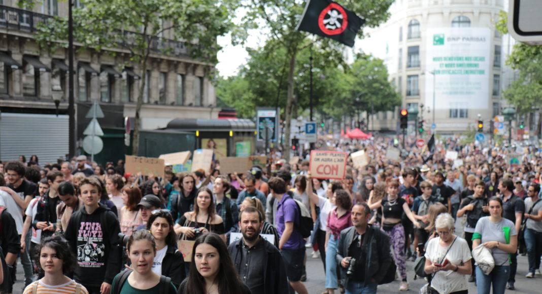 Selon le cabinet Occurrence, 15 000 personnes ont manifesté à Paris lors de la grève mondiale pour le climat. Photo Pierre-Olivier Chaput