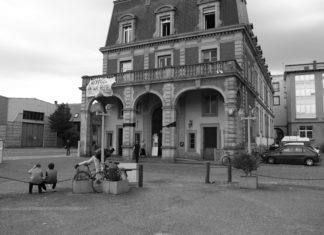 """À Strasbourg, le squat """"l'Hôtel de la rue"""""""