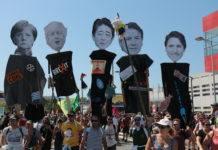 La manifestation officielle des organisations du contre-sommet du G7, le 24 août, s'est terminée à Irun, en Espagne. Photographie : Pierre-Olivier Chaput pour Radio Parleur