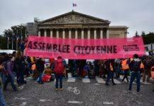 Ce samedi 12 octobre, Exctintion Rebellion mène une action pour bloquer l'Assemblée Nationale ( photographies : Dorian Girard pour Radio Parleur)