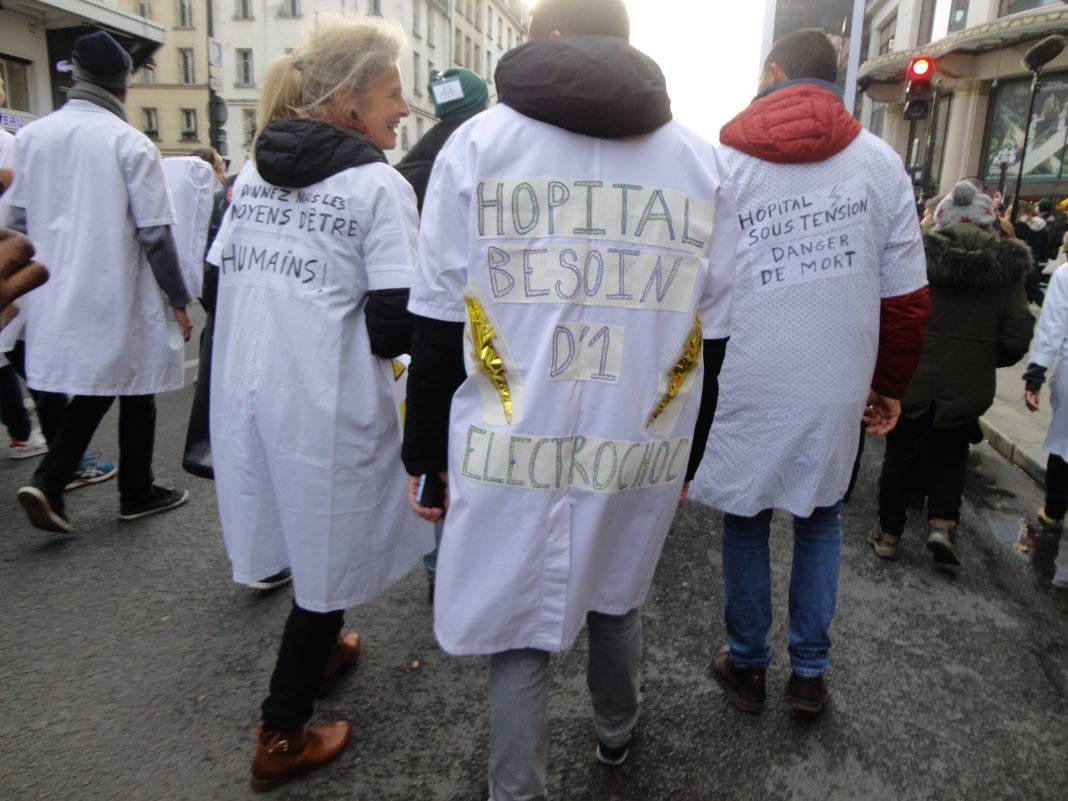 Grève des personnel.le.s hospitalier à Paris le 14 novembre 2019. (Photographie: Romane Salahun pour Radio Parleur) soignants