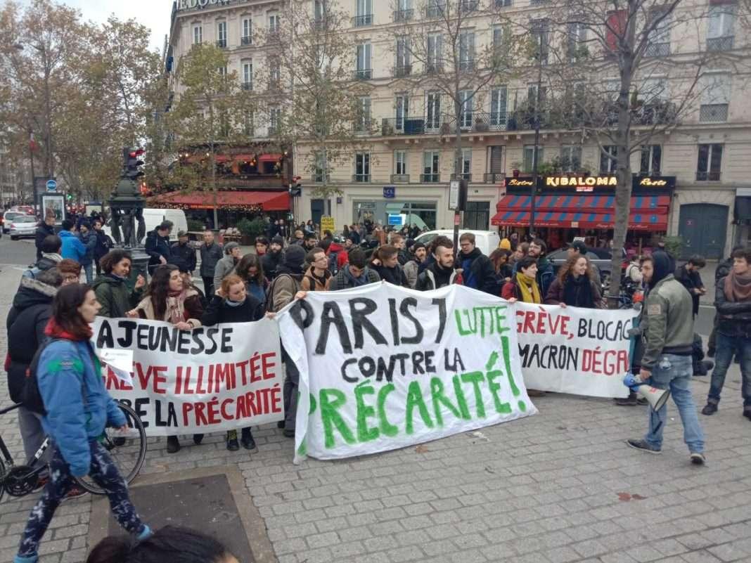 Le cortège étudiant lors de la manifestation contre la précartié et le chômage. Photographie : Alix Douart