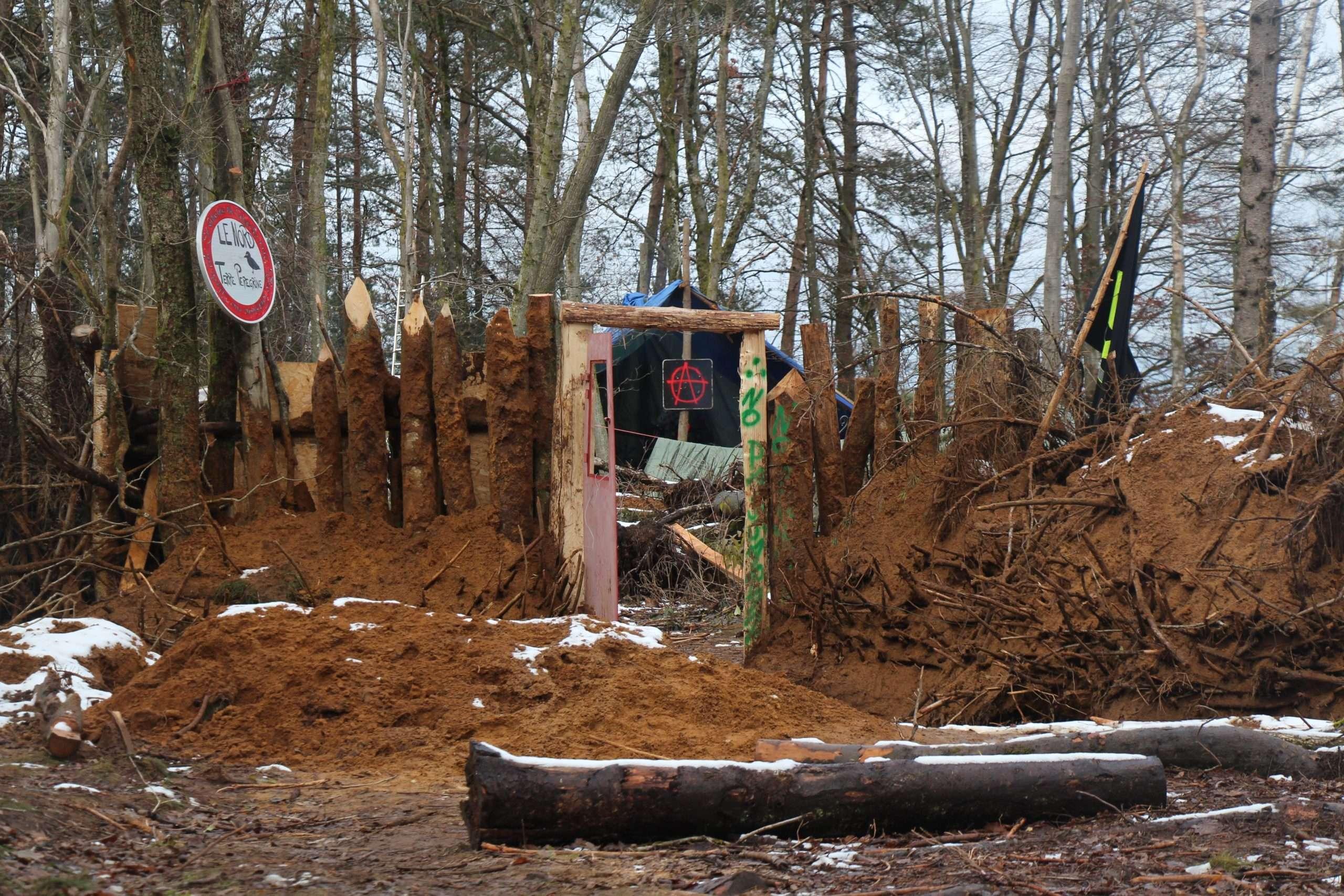 Dans la zone à défendre de la Zablière à Arlon au début du mois de décembre 2019. Photographie : Adrien Giraud pour Radio Parleur.