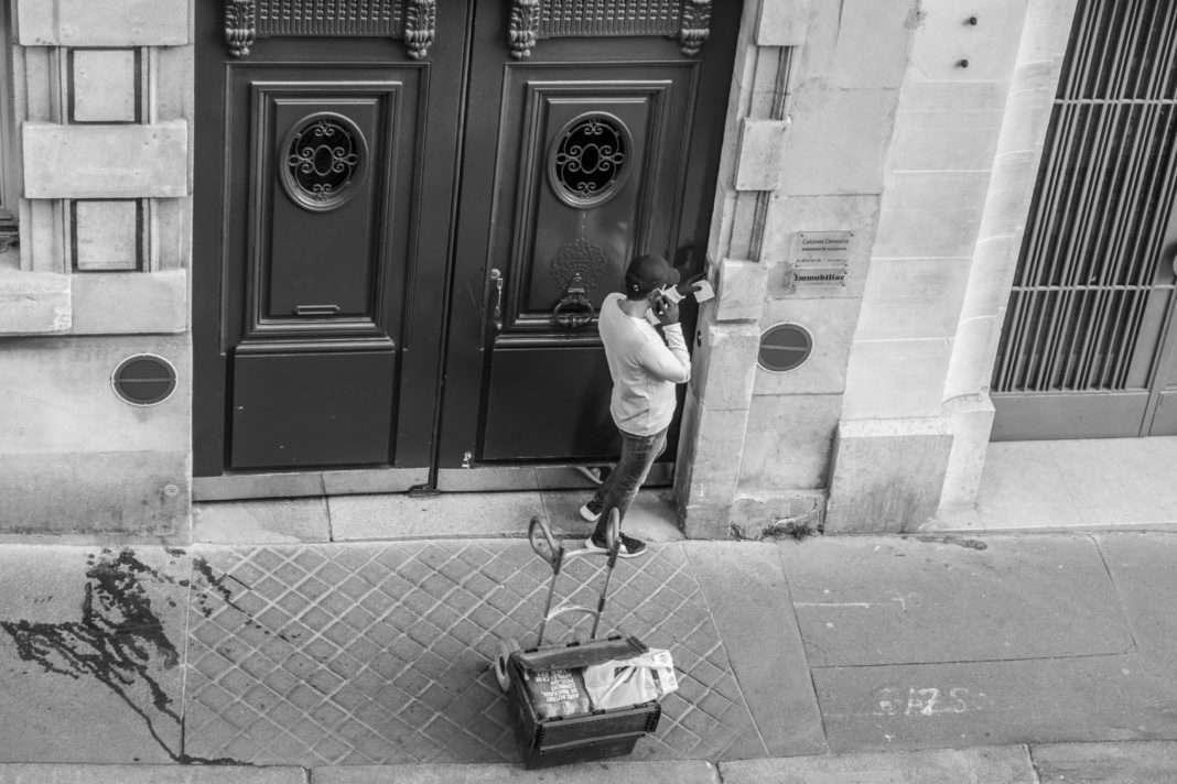 Invisible, la série documentaire qui donnent la parole aux travailleurs du Confinement