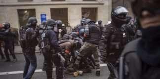 Violences policières Clé d'étranglement