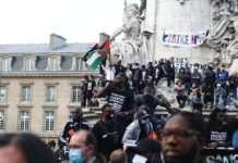 Le 13 juin, place de la République à Paris, à l'appel du comité Adama. Photographie Pierre-Olivier Chaput pour Radio Parleur