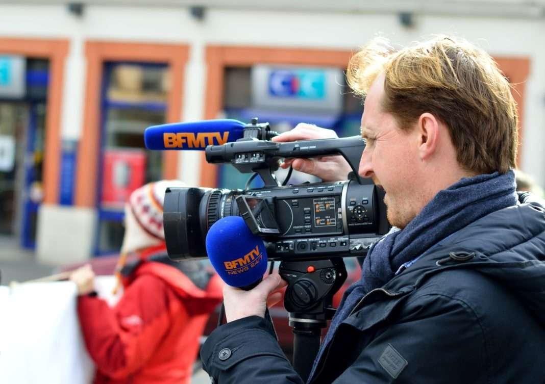 Journaliste BFM TV crise des médias