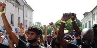 A Beaumont-sur-Oise le 18 juillet 2020, lors de la 4e marche en hommage à Adama Traoré. Photo Pierre-Olivier Chaput pour Radio Parleur