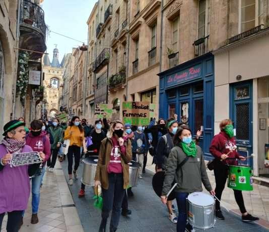 Manifestation pour la journée internationale pour l'avortement à Bordeaux le 28 septembre 2019. Photographie : Justine Mascarilla pour Radio Parleur.