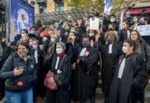 La manifestation du 28 novembre 2020, dans le cortège des avocat·es de la Black Robe Brigade.