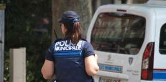 Une agent de la police municipale à Toulouse en 2014. Photographie : Pablo Tupin-Noriega via Wikimedia France sous licence Creative Commons.