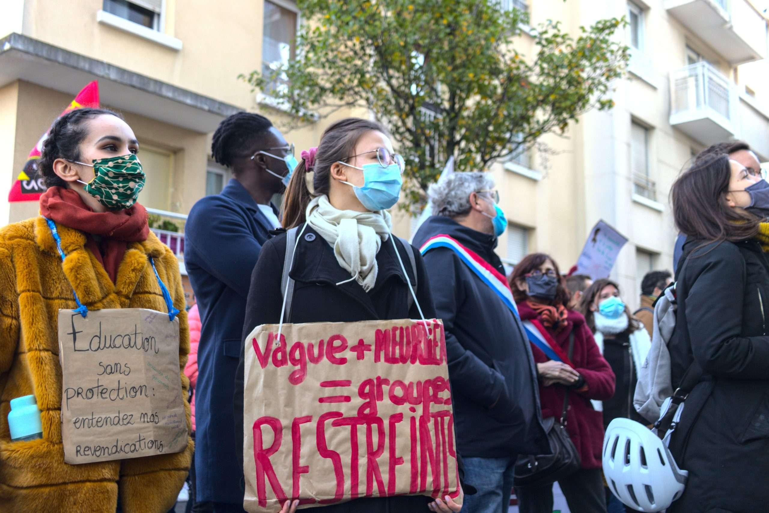 Rassemblement à Bobigny des enseignant⋅es de Seine-Saint-Denis mobilisé⋅es pour meilleur protocole sanitaire, le 5 novembre 2020. Photographie : Pierre-Olivier Chaput pour Radio Parleur