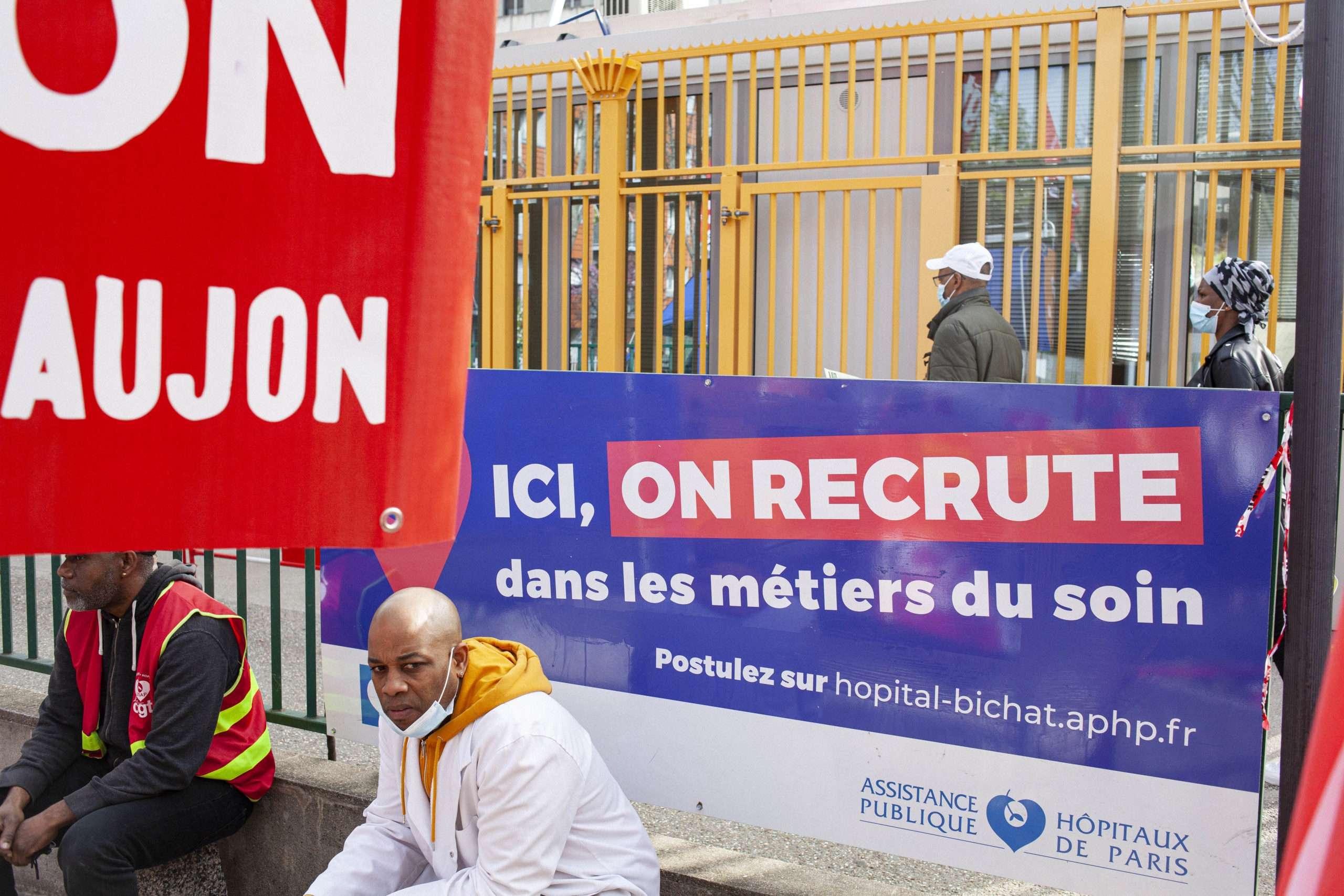 Rassemblement contre la fusion des hôpitaux Bichat et Beaujon