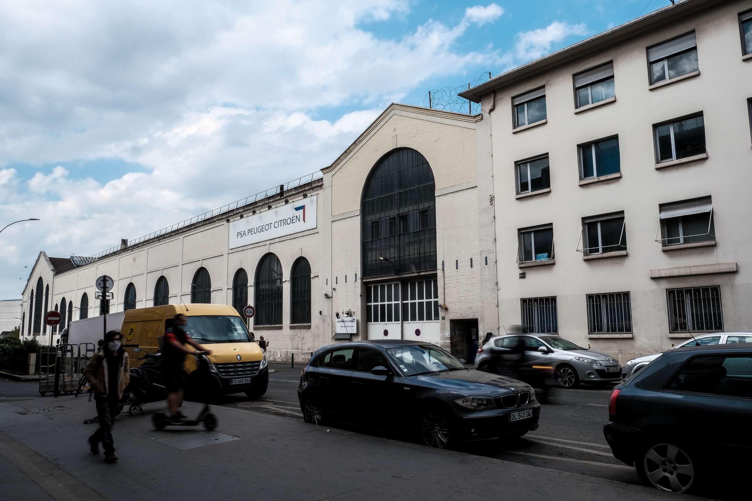 L'usine Peugeot Citroën à Saint-Ouen. Elle va être détruite pour laissé place au futur CHU Saint‐Ouen Grand Paris‐Nord en 2028. Photographie : Lucie Pelé pour Radio Parleur.