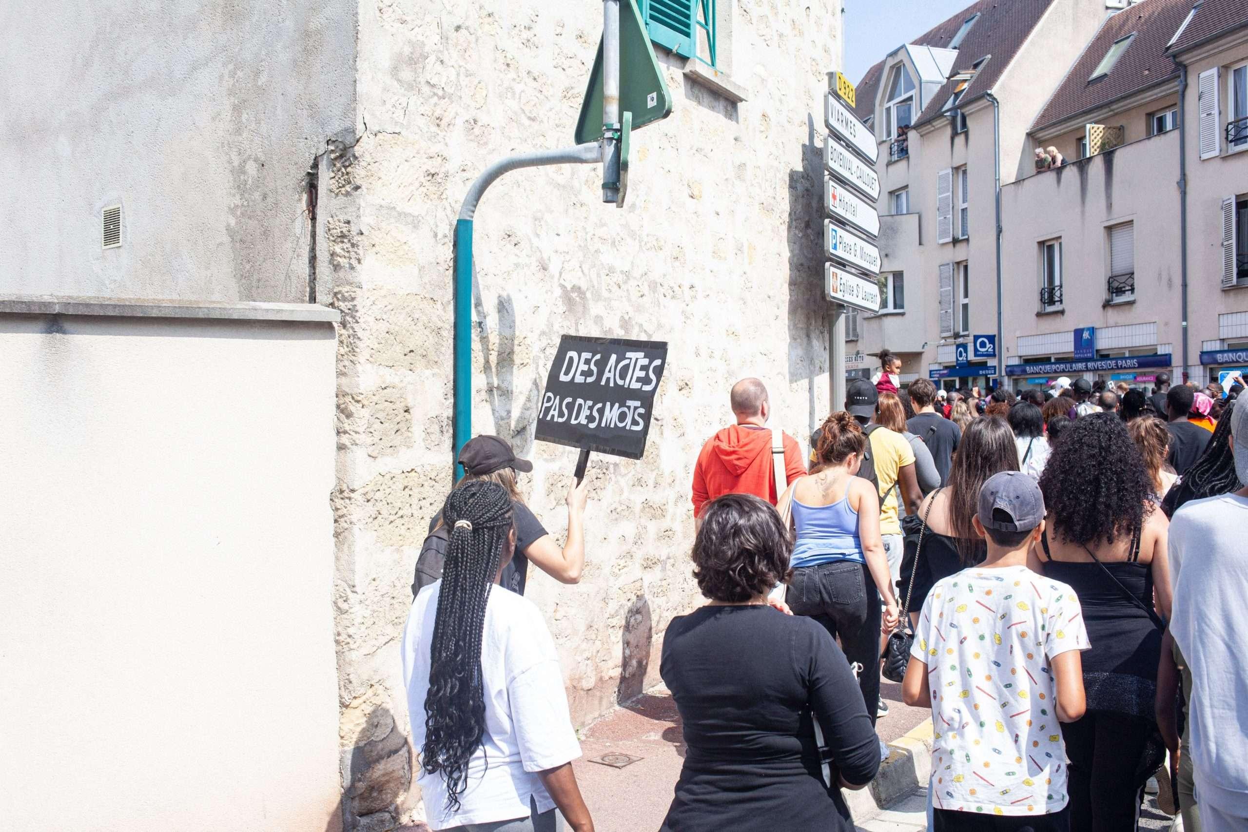 Pancarte Marche Adama 2021 Adama Traoré